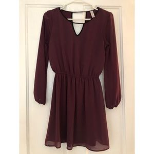 Burgundy dress with sheer sleeves (xs)